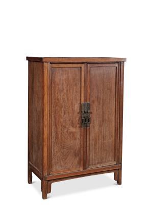 清早期黄花梨木四平打凹方角柜