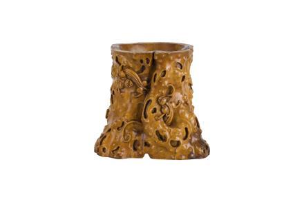 民国 黄杨木雕螭龙纹笔筒