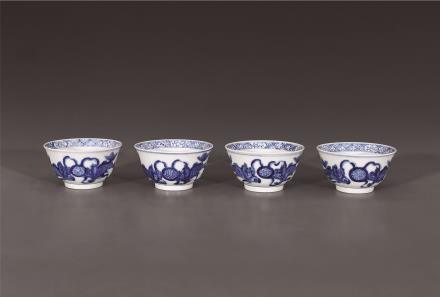 青花狮子戏球茶碗