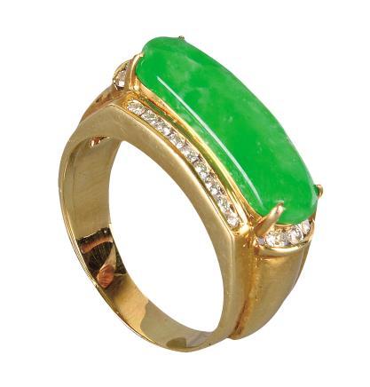 金镶钻戒指