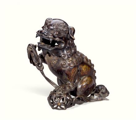 清  铜雕狮子绣球香薰