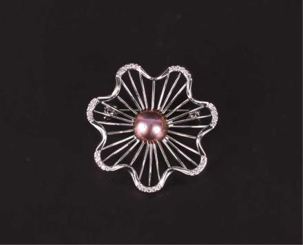 淡水珍珠胸针