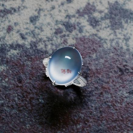 18K金镶翡翠素面戒指