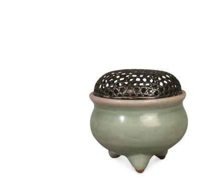 元—明 龙泉窑青釉鬲式炉