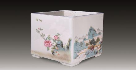 民国 粉彩山水花卉方花盆