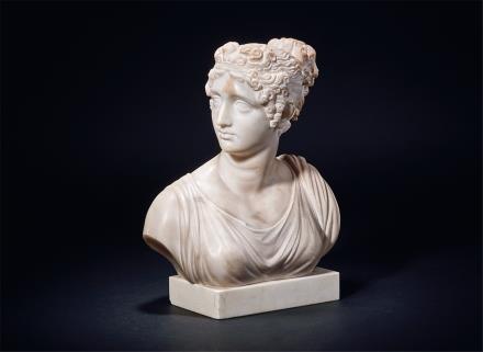 19世纪汉白玉美女像摆件