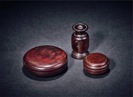 清黄花梨香盒二件及紫檀香瓶一件