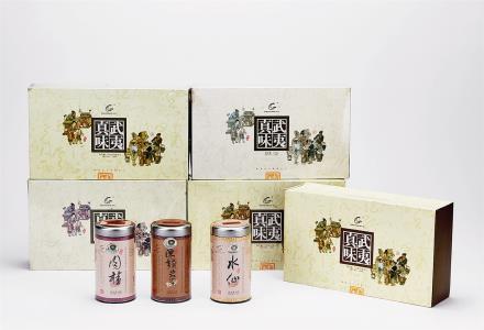 """2000年 武夷星牌""""武夷真味""""特级武夷岩茶(水仙、肉桂及陈年武夷岩茶) 共5盒"""