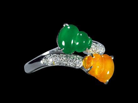 翡翠双色葫芦戒指