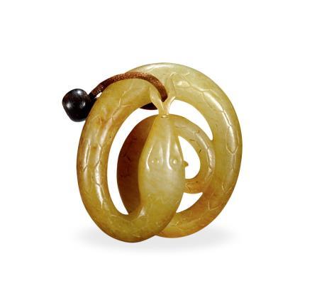 清白玉雕蛇型佩