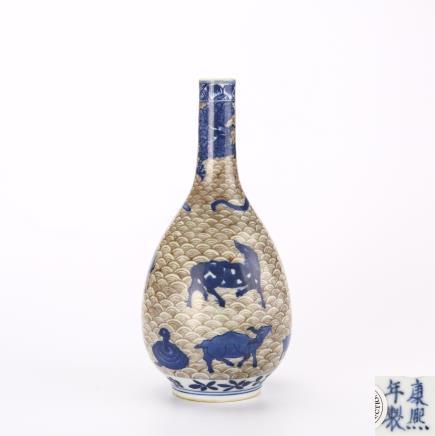 清代 青花釉里红十二生肖胆瓶