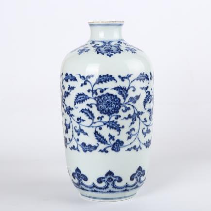 清 青花缠枝花卉纹罐