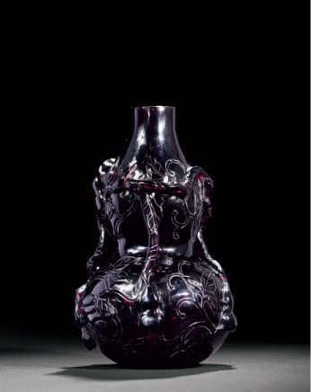 清雍正茄皮紫料福寿万代瓶