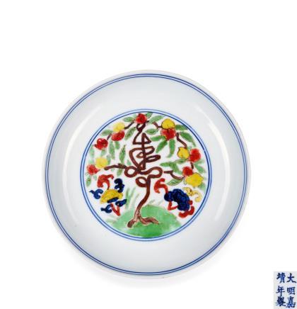 明嘉靖五彩灵芝寿字纹盘