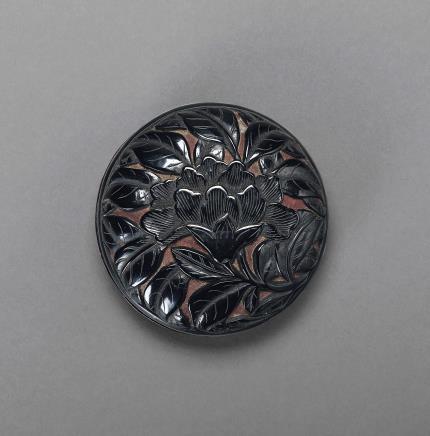 剔黑牡丹花卉纹香盒