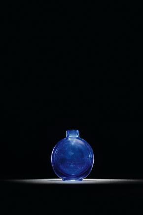 清 宝石蓝料光素鼻烟壶