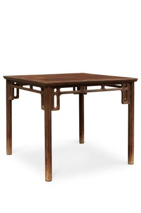 清早期 黄花梨瓜棱腿八仙桌