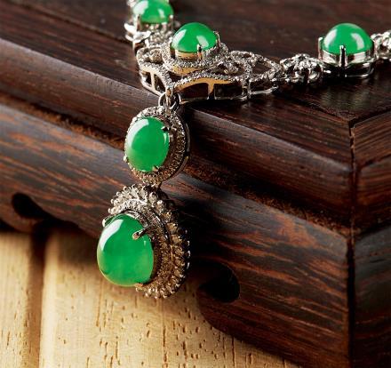 缅甸天然满绿翡翠蛋面项链