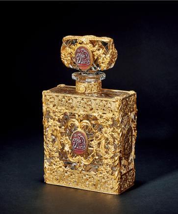 19世纪法国铜鎏金浮雕宝石方底水晶玻璃酒瓶