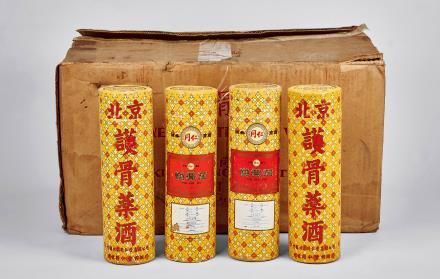 1995年北京同仁堂护骨酒一箱共24瓶