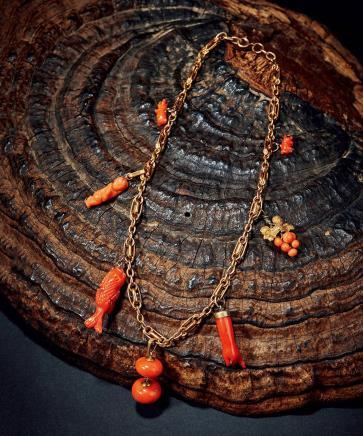 清 镶嵌珊瑚挂件金项链