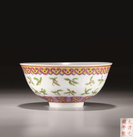 清粉彩描金栀子花纹碗