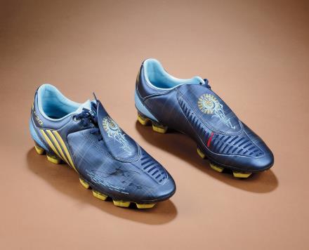 梅西亲笔签名 ADIDAS F30 梅西专属定制足球鞋(双签)