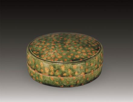 唐唐三彩绿釉粉盒